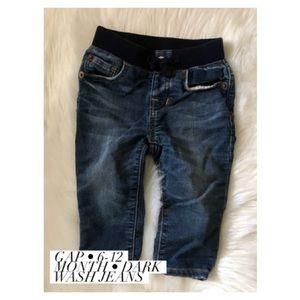 Baby boy 6-12 month Gap dark washed jeans
